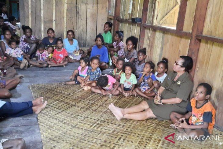 Transportasi dan kemiskinan masyarakat pedalaman di Wondama Papua Barat