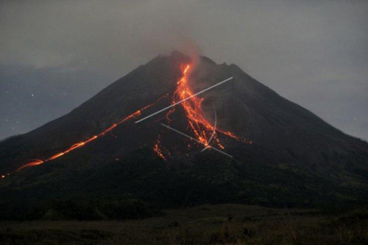 Volume kubah lava di tengah kawah Merapi mencapai 2 juta meter kubik