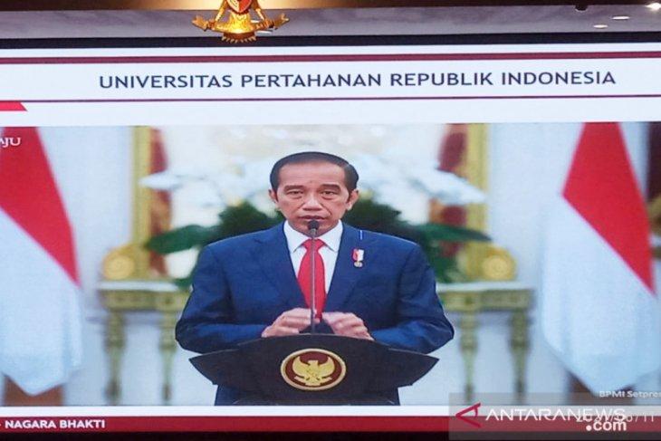 Presiden Jokowi beri selamat kepada Megawati bergelar profesor kehormatan