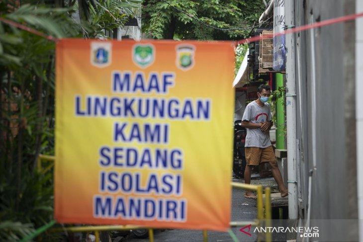 Dua RT di Kelapa Dua Wetan, Jakarta Timur jalani
