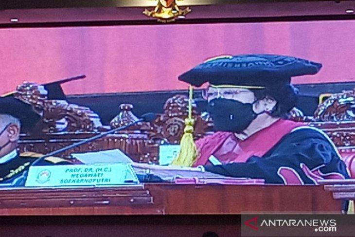 Megawati kini bergelar profesor kehormatan