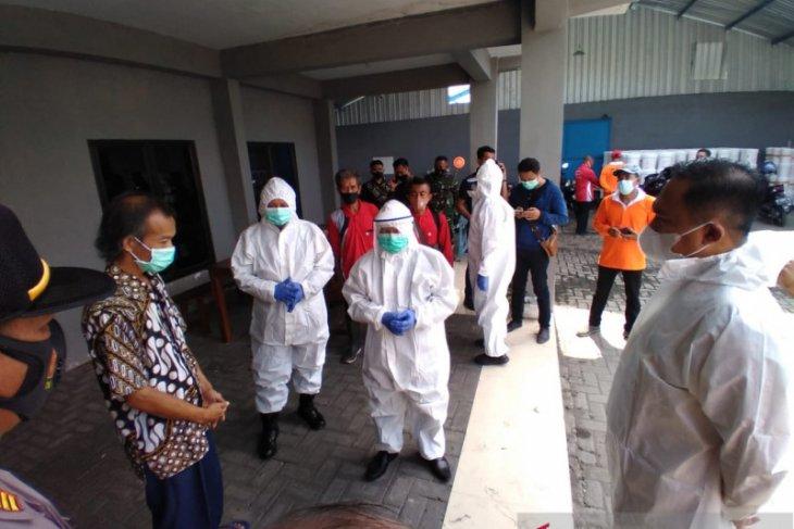 10 karyawan positif COVID-19, Satgas Situbondo tutup sementara perusahaan pembenihan udang