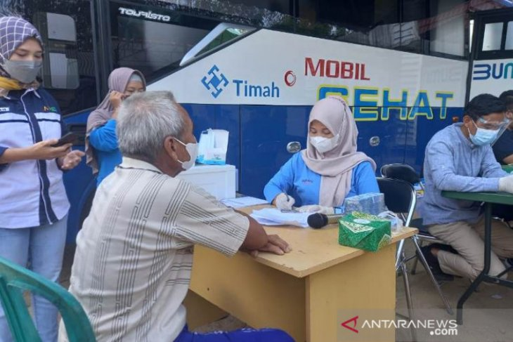 Warga Desa Kundi Bangka Barat antusias ikuti layanan kesehatan PT Timah