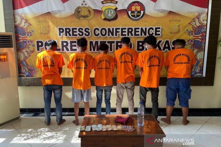 Enam preman pemalak sopir kontainer di Kawasan Marunda Center diringkus polisi
