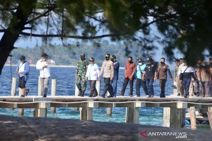 Bupati Gorut sebut rapat pemda mulai digelar di tempat wisata