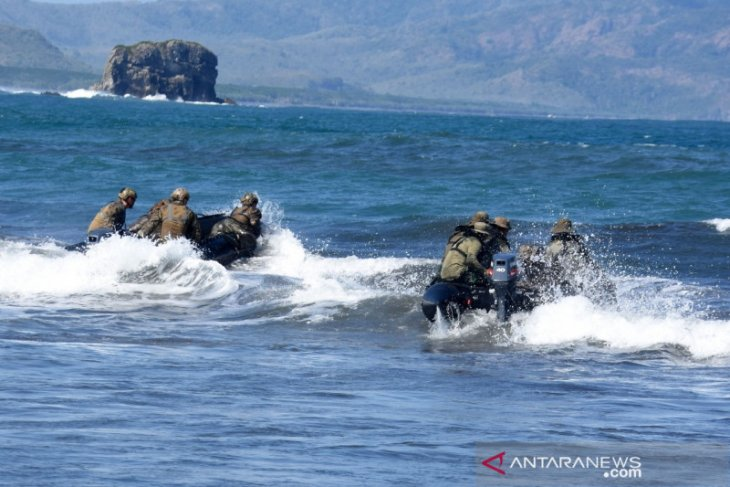 Marinir Indonesia dan Marinir AS berbagi ilmu navigasi jarak jauh