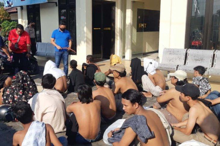 Polisi amankan 20 pelaku tawuran  di depan Pelabuhan Tanjung Emas Semarang