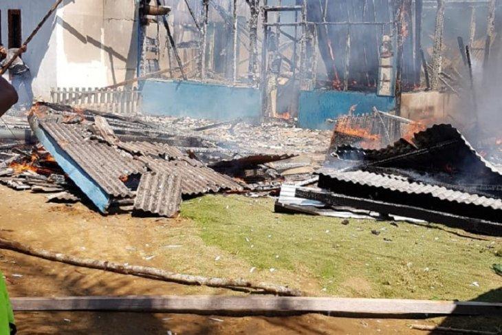 Pemkab Mukomuko bantu korban kebakaran