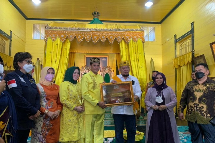 Ketua DPD RI LaNyalla terima gelar kehormatan dari Kesultanan Pontianak