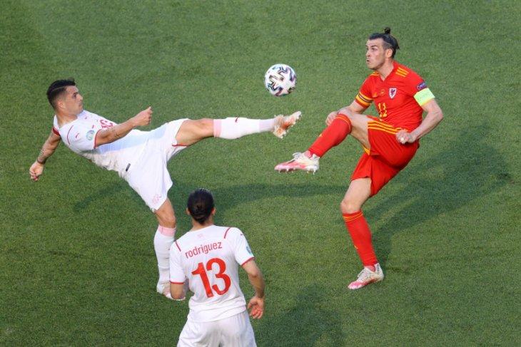 Gareth Bale harap penonton di Baku bakar semangat Wales