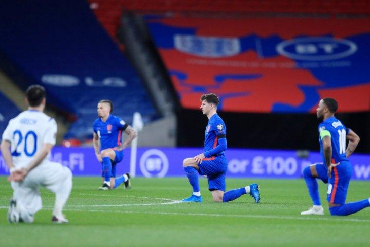 FA ajak suporter hormati pemain Inggris saat lakoni aksi berlutut