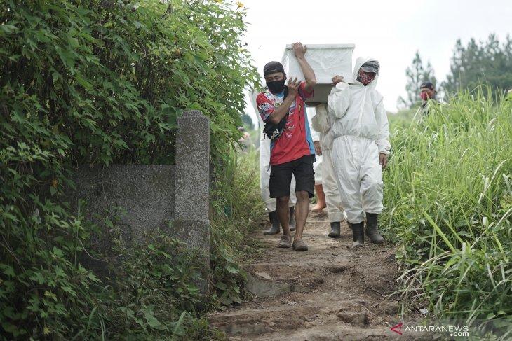 Banyak makam dibongkar, RS harus valid identifikasi jenazah COVID-19
