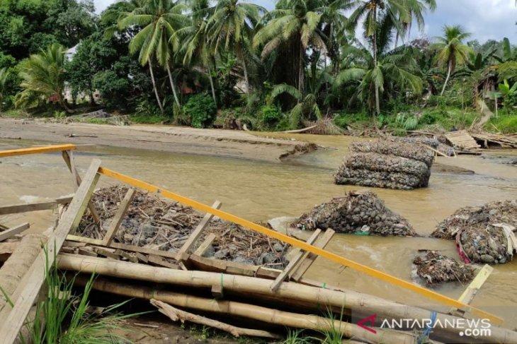 Jembatan permanen di wilayah banjir HST tidak dapat dipastikan terbangun tahun ini