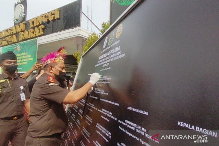 Kejati Papua Barat canangkan zona integritas menuju WBK dan WBBM