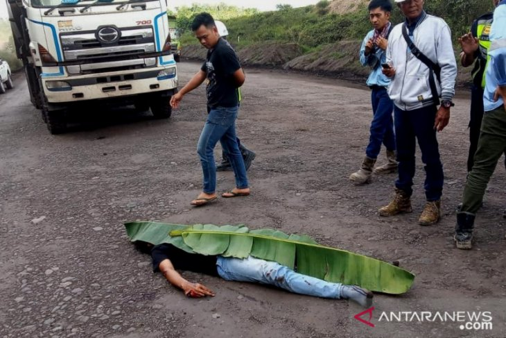 Sopir PT Buana Karya Bhakti ditemukan tewas di jalan angkutan batu bara di Tapin
