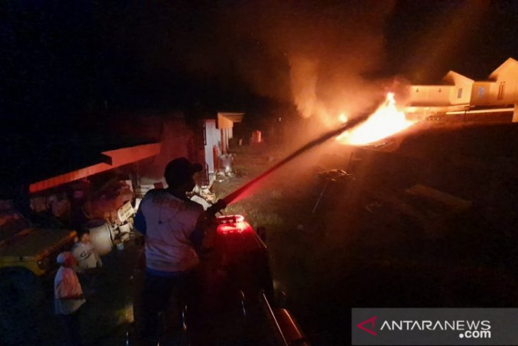 Dua buah rumah di Tapin terbakar kerugian capai ratusan juta