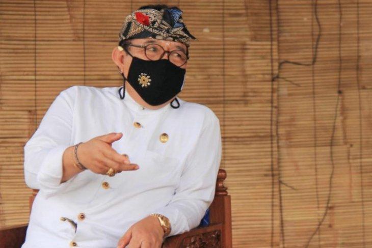 Wagub minta masyarakat Bali patuhi prokes di Pura Semeru Lumajang