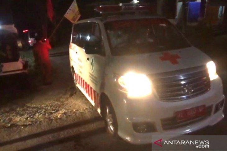 Sebanyak 89 orang positif COVID-19 klaster hajatan dievakuasi ke RSUD Dolopo Madiun