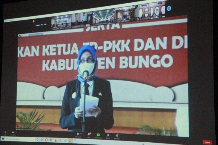 Lantik empat bupati dan wabup, Penjabat Gubernur Jambi catat rekor tersendiri