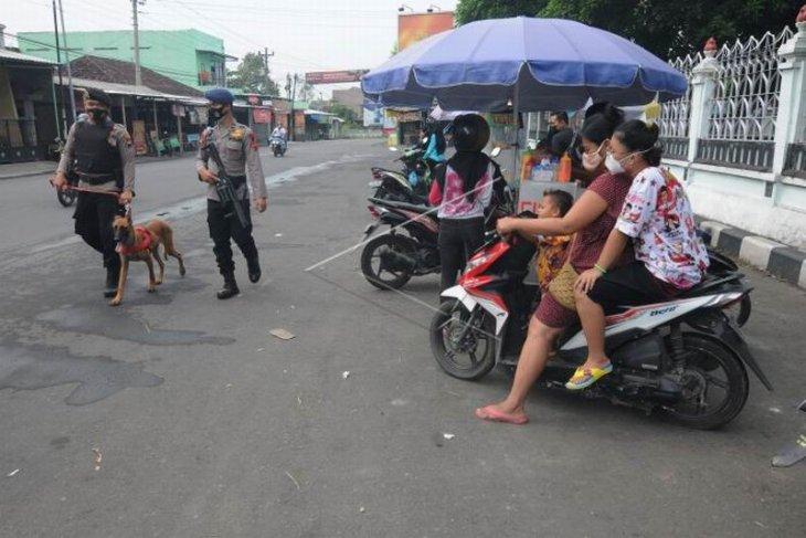 Patroli di sekitar Asrama Haji Donohudan