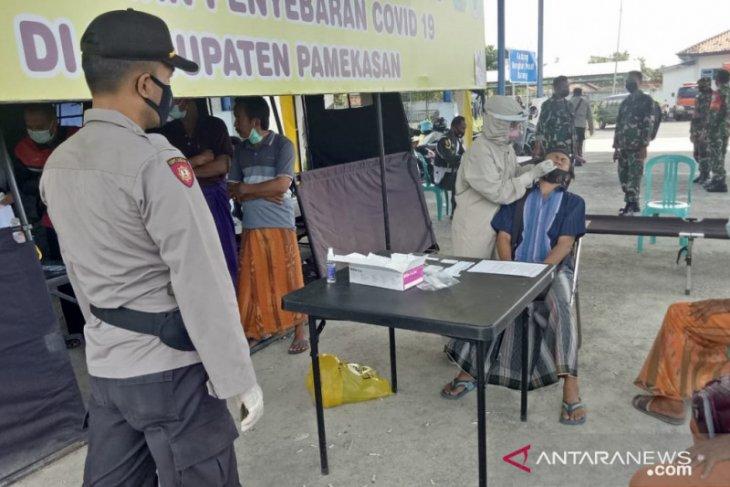 Pemkab Pamekasan pulangkan empat warga Bangkalan positif COVID-19