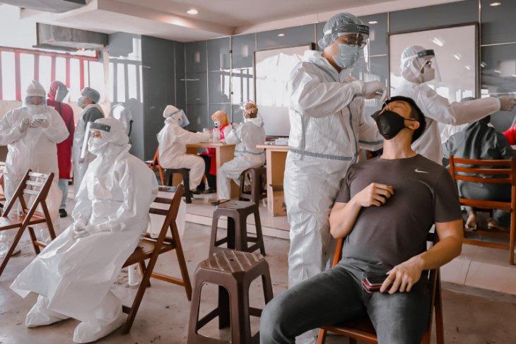 Tingkat penularan COVID-19 di Surabaya naik jadi sembilan persen