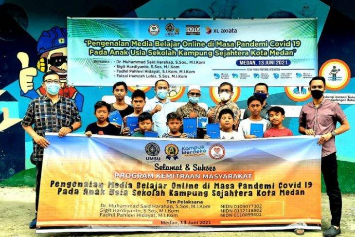 Pengenalan media belajar online di Kampung Sejahtera Medan