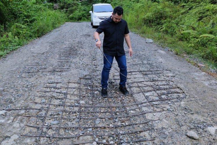 Legislator minta jalan Gunung Panteu segera diperbaiki