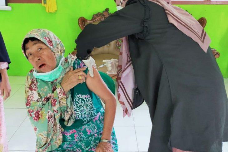 Mukomuko gelar vaksinasi massal untuk lansia