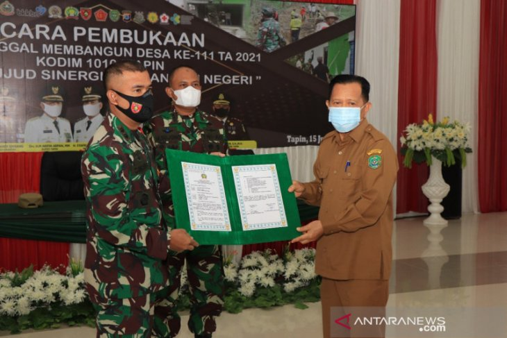 Dihadiri Kasrem 101/Antasari Bupati Tapin buka TMMD ke-111
