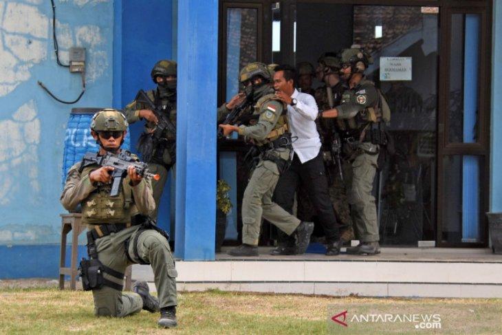 Prajurit Taifib dan Marinir AS latihan bebaskan sandera di Banyuwangi