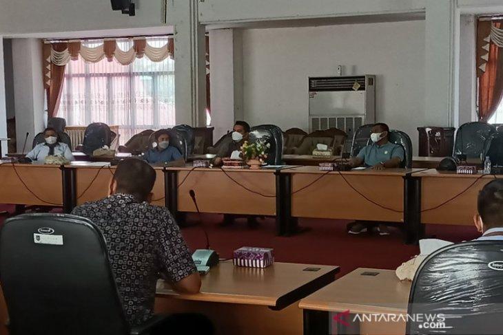 Mediasi sengketa lahan warga, DPRD HSS rapat bersama PT AGM dan PT BGM