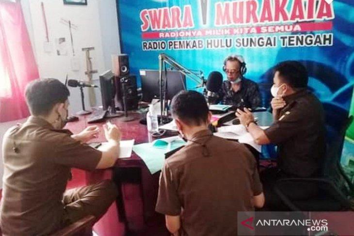 Sidak ke Kominfo, Wabup HST minta radio milik pemerintah lebih aktif lagi