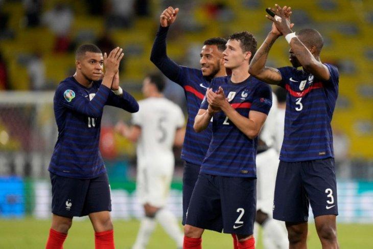 Gol bunuh diri Hummels membuat Prancis menang 1-0 atas Jerman