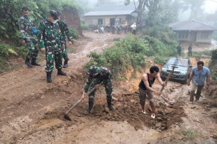TNI AD bangun 1.200 meter jalan di Kubu Raya dalam program TMMD