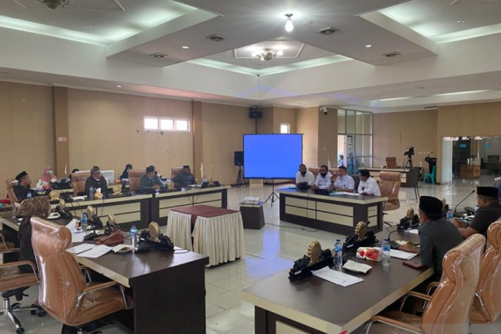 Warga adukan Sekda Gorontalo Utara ke DPRD soal dugaan utang piutang