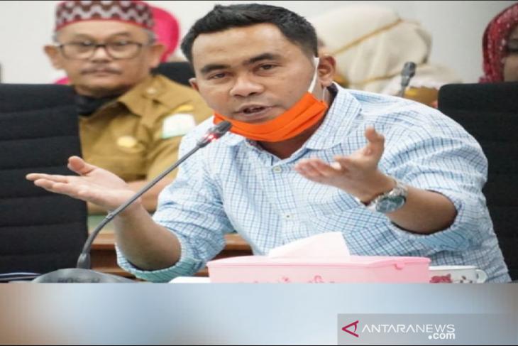 Pemerintah Aceh diminta tambah tenaga kesehatan untuk tangani COVID-19
