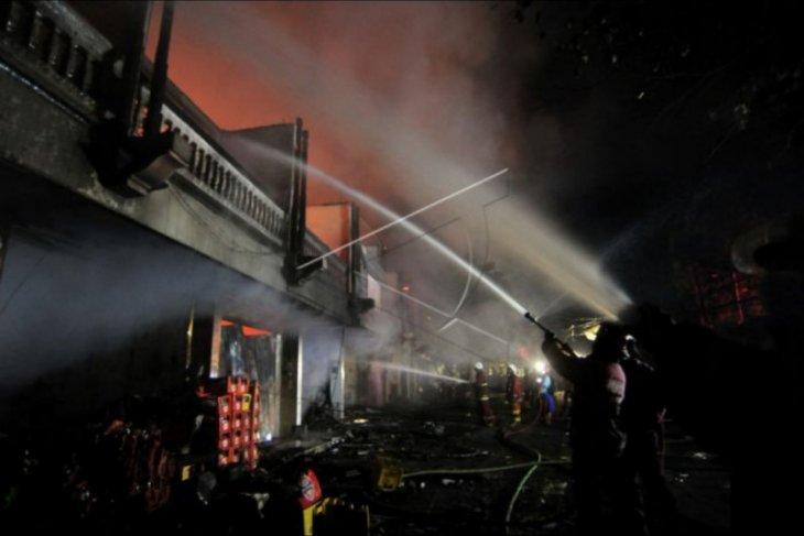 Pasar Blahbatuh ludes terbakar