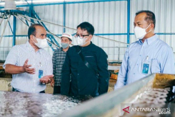 Sapa pelanggan, GM PLN dan Wagub Babel kunjungi pabrik zircon