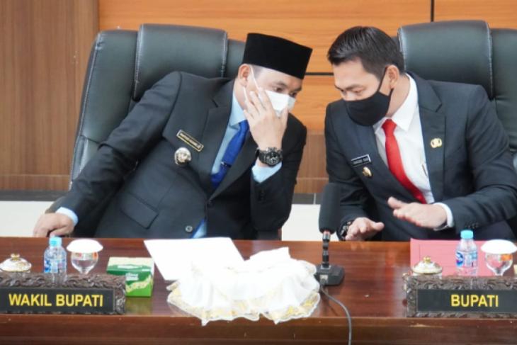 Pemkab Kapuas Hulu bahas Raperda penyertaan modal Bank Kalbar 2021-2025
