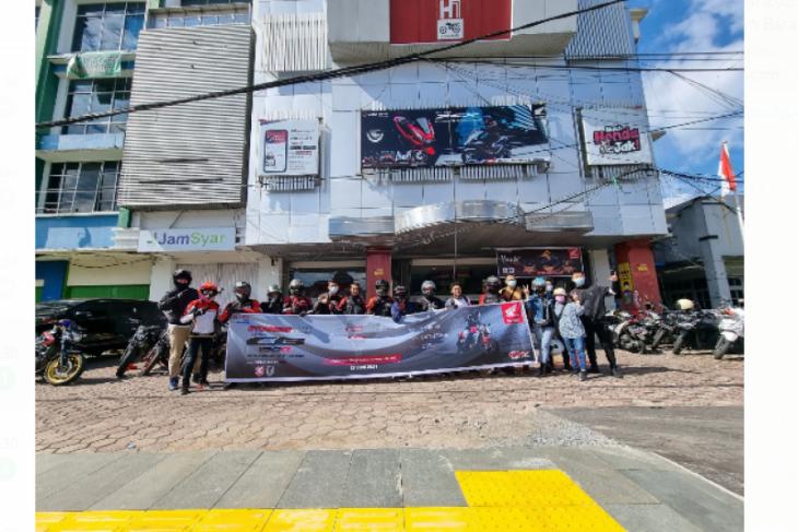 Touring Astra Motor Kalbar-Komunitas Honda Street Fire Clup Indonesia