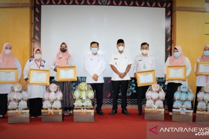 Enam SOPD terima penghargaan Bupati Tapin karena ciptakan inovasi layanan publik
