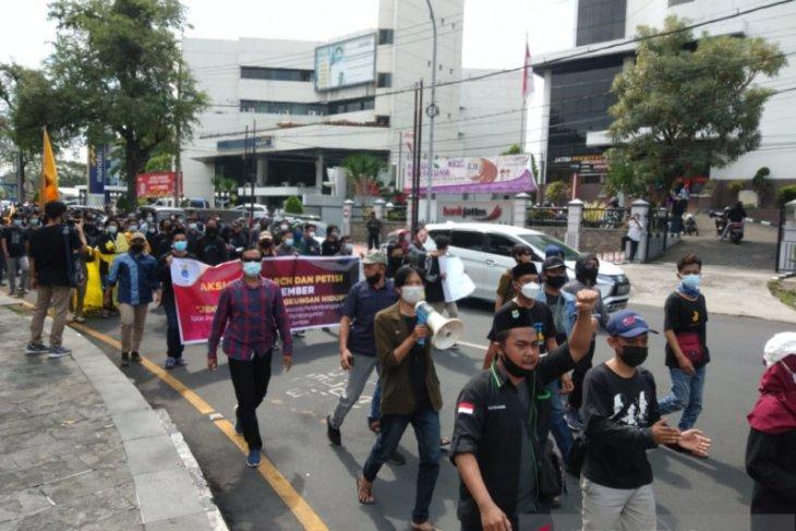 PMII Jember demo tolak industri tambak dan tambang di pesisir selatan