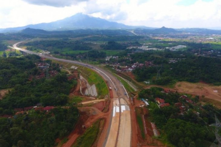 Govt to speed up land acquisition for Cisumdawu toll road