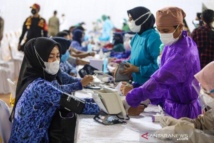 Vaksinasi seluruh guru di Purwakarta ditargetkan selesai sebelum PTM