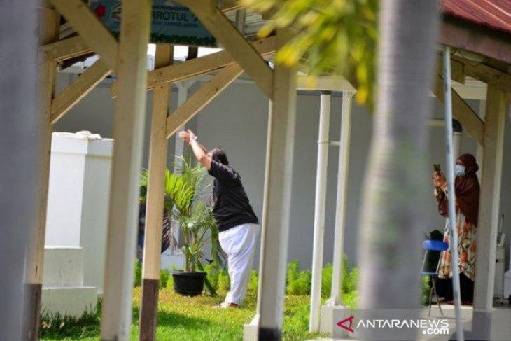 Aceh lapor 140 kasu baru, Satgas ingatkan warga disiplin pakai masker