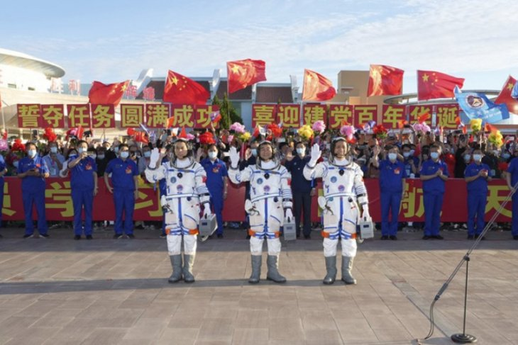 Tiga astronot China dilepas dari Jiuquan
