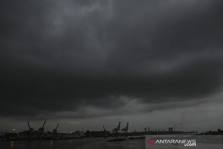 Hujan diprakirakan turun di sejumlah kota besar