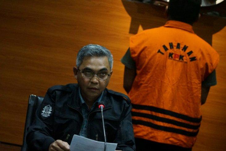 KPK menetapkan empat eks anggota dewan tersangka kasus