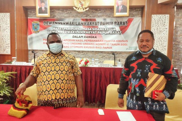 Pansus DPRP Papua Barat ajukan 14 poin revisi UU Otsus tanah Papua
